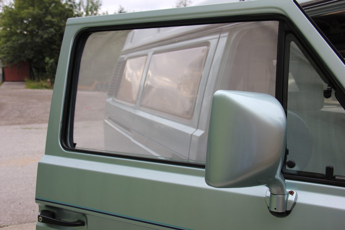 magnetic insect screen for car window